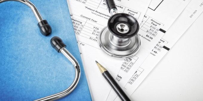 Juiz determina restabelecimento de plano de saúde rescindido unilateralmente