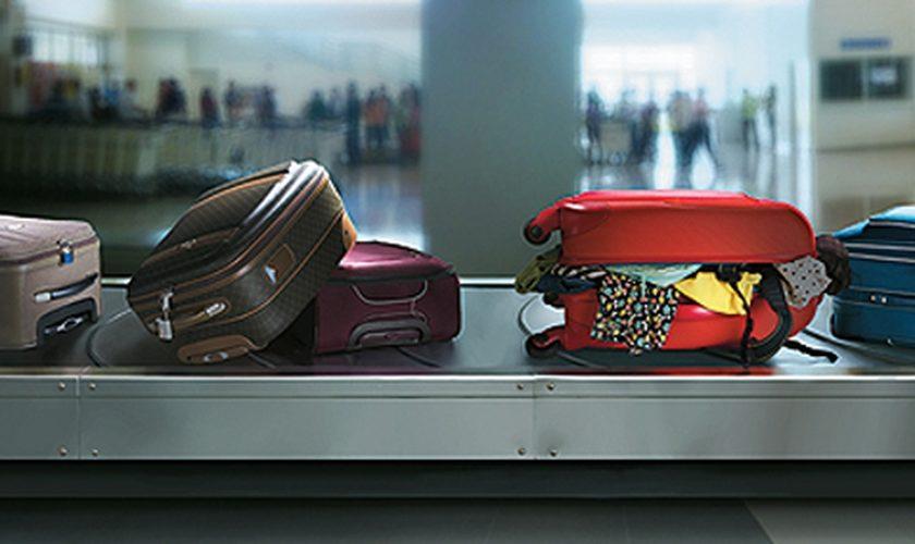 Empresa de transporte deve indenizar passageiras por extravio de bagagem
