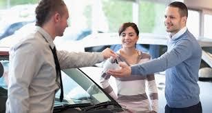 Concessionária não pode abater desconto dado a cliente da comissão do vendedor