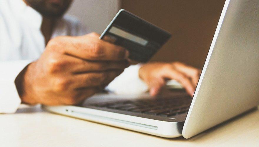 STJ reforma decisão que julgou ilegal cobrança de taxa de conveniência na venda de ingressos pela internet